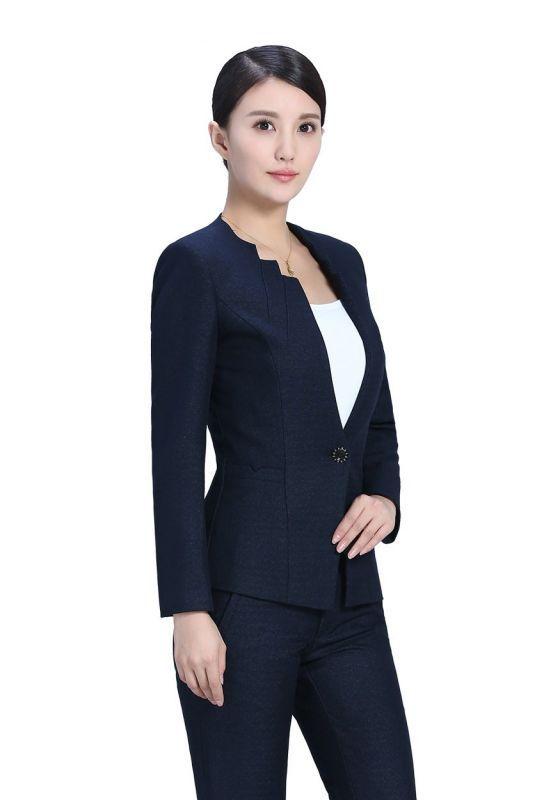 穿着女士工作服需要注意什么?